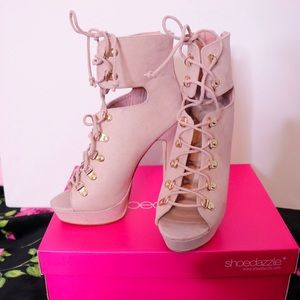 Shoedazzle beige lace up heels